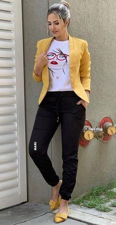 30 Woman Outfits That Will Make You Look Cool #outfits  #fashion  #casualstyle  #look #women'sfashioncasualparty