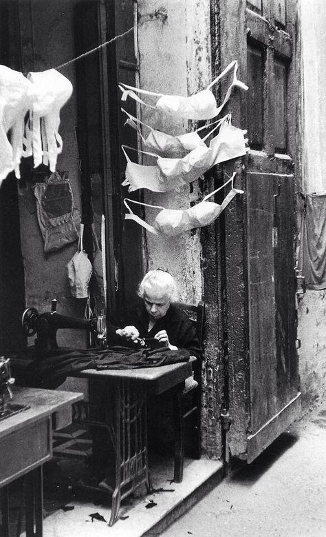 Sprezzatura-Eleganza | napolinostalgia:   David Seymour, Naples 1957