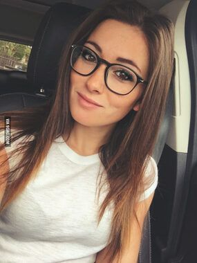 Picture Girls With Glasses Girls With Dimples I Love Girls