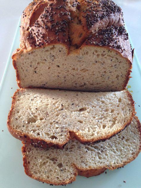 Pão divino sem glúten (com farinha de grão-de-bico)! Receita no blog!!
