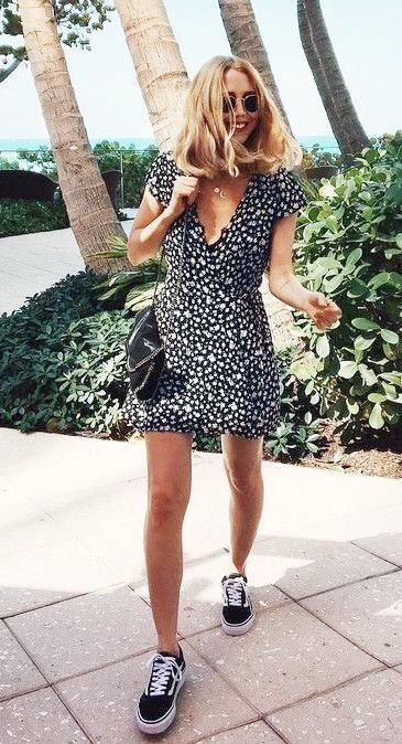 Sundress + sneakers.   Fashion, Casual