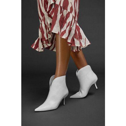 4cbbffd7d04 Isabel Marant enkellaarsjes Danstee camel | NEW COLLECTION SS2019 MARJON  SNIEDERS Shoes, Fashion &More + get inspired! - Spring shoes, Isabel marant  en ...