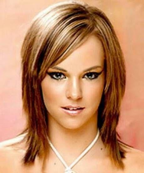 Frisurenvorschlage Ab 50 Mittellang Stufig Strahnchen Modische Frisuren Fur Frauen Ab 50 Und Haar Mittellange Haare Frisuren Damen Langhaarfrisuren Lange Haare