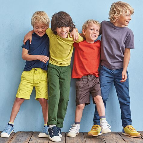 Shop our new range of children's clothing at Boden. From girls dresses to boys shirts and baby cardigans, we've got more styles than ever and they're all right here, in sizes 0 - 16 years.