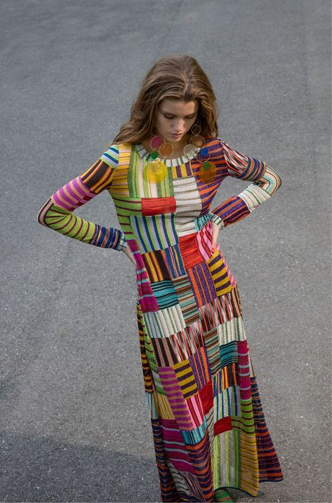Missoni Resort 2018 collection, runway looks, beauty, models, and reviews.