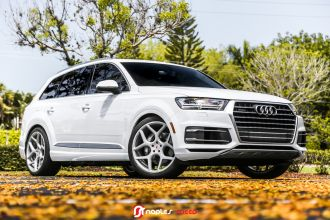 Go Big Or Go Home 2017 Q7 On Vossen Forged Cg 205 Advanced Automotive Accessories Vossen Automotive Accessories Audi