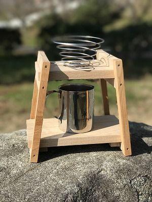 うちのスタッフ1号さんがコーヒードリッパーの台をアルコールランプの三脚で代用していた話題をアップしてたのに触発され 自作してみました 笑 まずは キャンプでみんなでコーヒーを楽しむためにちょっと大きめのサイズのドリ 2019 キャンプコーヒー