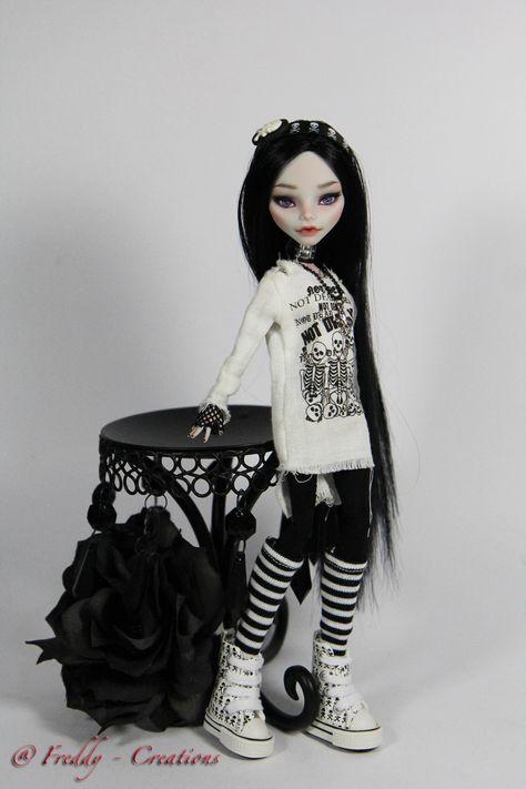 OOAK Monster High Repaint Reroot Raven Full Dress Set by Freddy Tan | eBay
