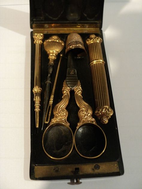 RARE EARLY 19th C. FRENCH 6-PC. 18K GOLD SEWING ETUI IN ORIGINAL EBONY CASE