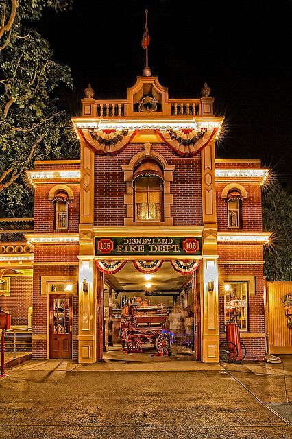 Main Street Fire Department Fun Fact: The First Building to be completed in Disneyland. Walt would leave the light on in the window so everyone knew when he was there and turn it off if he was leaving. After his death, Disneyland Main Street, Vintage Disneyland, Disneyland California, Disneyland Resort, Disneyland Photos, Disney Facts, Disney Love, Punk Disney, Disney Stuff