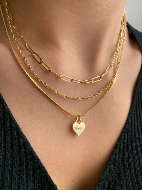 For all the gold lovers out there, this Evry Jewels necklace stack is for you!