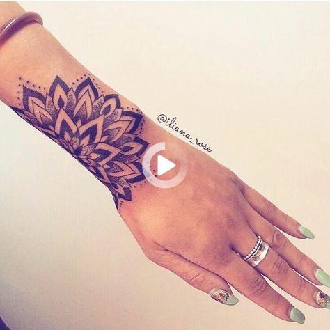 ¡Me encanta el tatuaje y la colocación! SNH - Marine Grondin - Pinterest