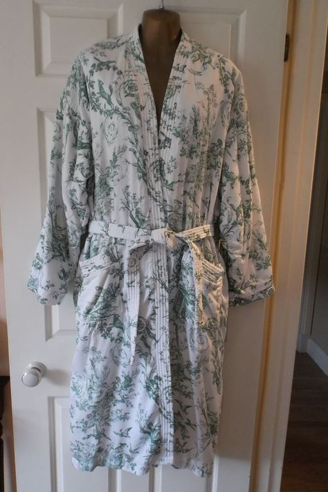 Fabulous vintage HARRODS green Toile de Jouy lined dressing gown robe UK16 EXCON
