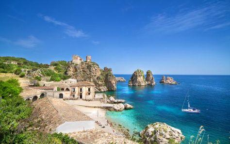 Les plus belles plages de Sicile - www.lonelyplanet.fr/article/les-plus-belles-plages-de-sicile #plage #Sicile #voyage