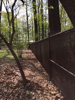 Brown Vinyl Coated Chain Link Fence With Browns Privacy Slats Gives Privacy For This Home Installed By Ryan His Crew Fr Fence Styles Chain Link Fence Fence