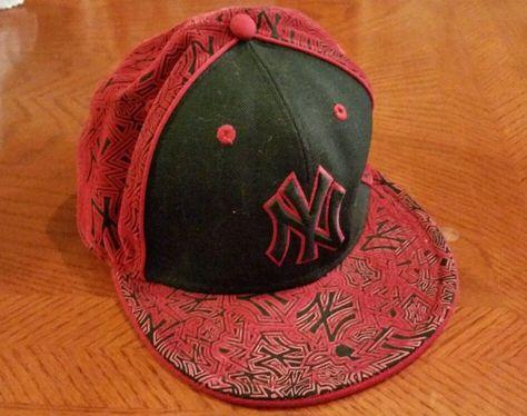 a100a0adf75 New ERA 59fifty Red Graffiti Style New York Yankees Baseball Cap - Size 7  1 8