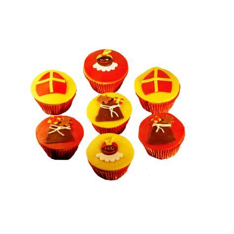 Mmmmmm.......... Lekkere Sinterklaas en zwarte pieten cakejes