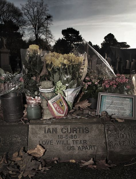 Ian Curtis 1956 1980 Grave Photo By Love Of Carnage Rip