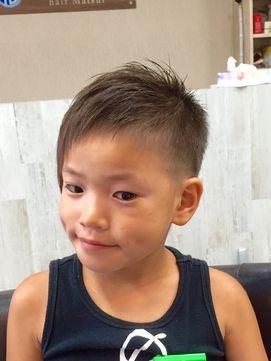 キッズアシンメトリー 夏バージョン Historia Hair Matsui ヒストリアヘアー マツイ をご紹介 2019年夏 の最新ヘアスタイルを300万点以上掲載 ミディアム ショート ボブなど豊富な条件でヘアスタイル 髪型 アレンジをチェック 子供 髪型 ボーイズヘアカット