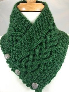 Irish Celtic Knot Trinity neck warmer ~ Celtic cable flanked by trinity stitch, . Irish Celtic Knot Trinity neck warmer ~ Celtic cable flanked by trinity stitch, short ruffled ends with metal button clo.