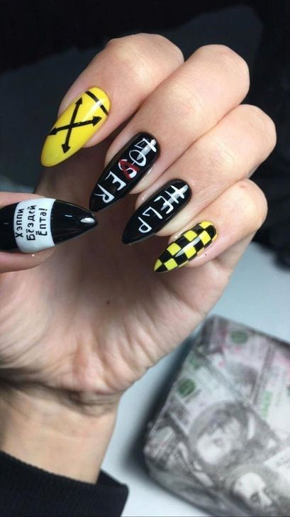 42 Sophisticated Grunge Nails Ideas Can Make You Looks More Elegant In 2020 Grunge Nails Punk Nails Edgy Nails