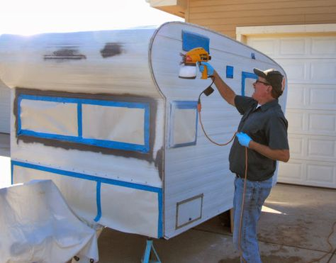 Little Vintage Camper Trailer Makeover – Vanchitecture – Famous Last Words Classic Trailers, Vintage Campers Trailers, Vintage Caravans, Camper Trailers, Vintage Motorhome, Shasta Camper, Retro Campers, Vintage Airstream, Vintage Camper Redo