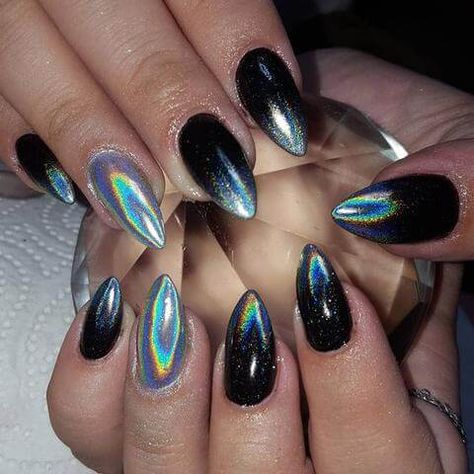 Holographic Nails:A Fun And Flashy Manicure Technique