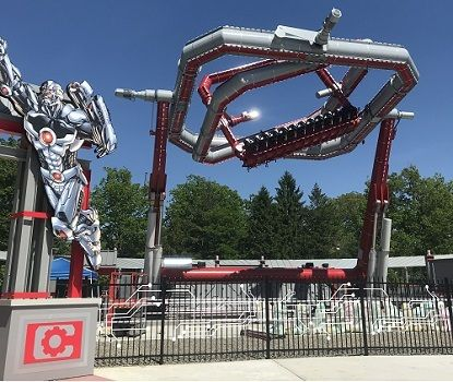 Six Flags Opens World S 1st Gyroscope Style Thrill Ride Cyborg June 13 Macaroni Kid Lincroft Holmdel Tinton Falls Thrill Ride Six Flags Great Adventure Thrill