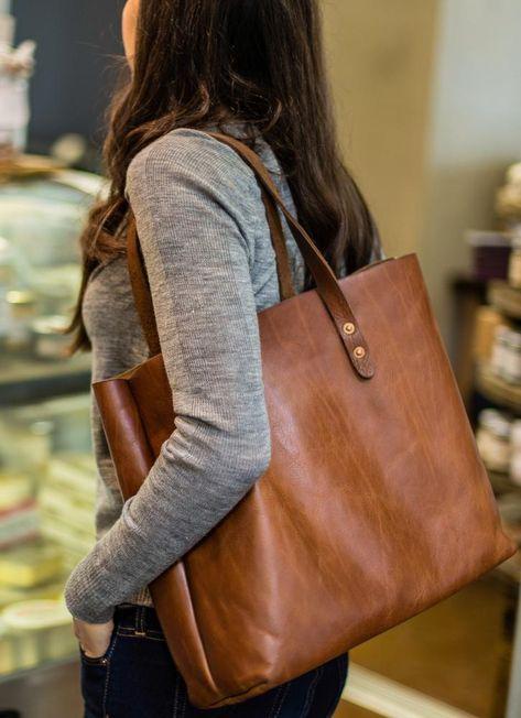 Vintage Tote Bag – purses and handbags totes Diy Vintage Leather, Handmade Leather, Brown Leather Handbags, Leather Tote Bags, Tan Tote Bag, Leather Backpacks, Brown Tote Bags, Leather Belts, Tote Purse