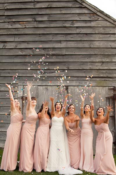 50 Must-Have Photos With Your Bridesmaids | Fun things, Confetti ...