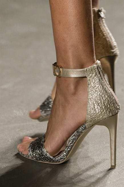 بتوقيت بيروت اخبار لبنان و العالم Stiletto Heels Heels Stiletto