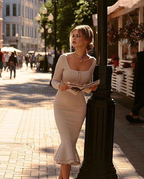 anna_paris_chic sur Instagram : #annaparischic #fabulous #fashionista #dresses #fashionlover #fashionblogger #pearls #sandals #fashionstyle #fashionable #fashionblog…