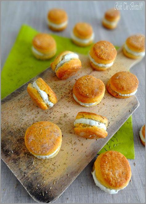 Sablés au thym, fourrés au #roquefort // Plus de #recette #Papillon sur le blog Les Recettes Roquefort Papillon : www.recetteroquefort.fr
