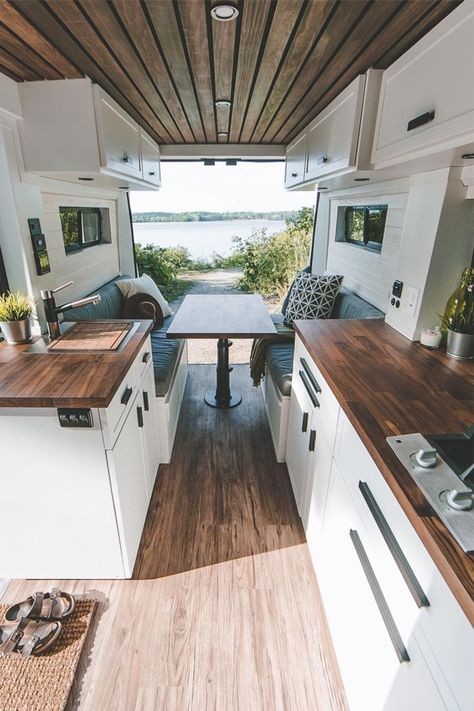 This van kitchen is too cute! Tiny House Movement // Tiny Living // Tiny House on Wheels // Van Conversion // Van Life // Tiny Home Camper Life, Rv Campers, Bus Life, Camper Trailers, School Bus Camper, School Bus House, Camper Rental, Travel Trailers, Kombi Motorhome