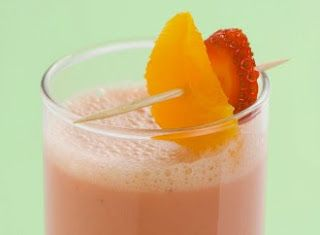 عصير الفراولة بالموز والبرتقال و الحليب الطبخ المغربي Orange Smoothie Recipes Shake Recipes Smoothie Recipes Strawberry