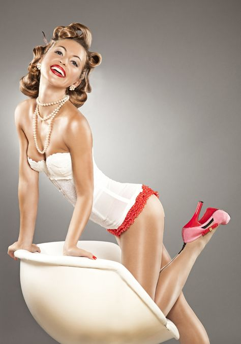 Amazing pin-up photos pinup/budoir inspiration  Though these ones are a little on the shiny side for mw