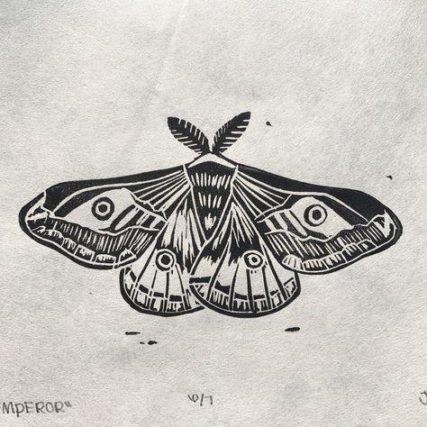 Tattoo Illustration, Ink Illustrations, 3d Max Tutorial, Moth Tattoo Design, Moth Drawing, Emperor Moth, Lino Art, Knee Tattoo, Ancient Egyptian Art