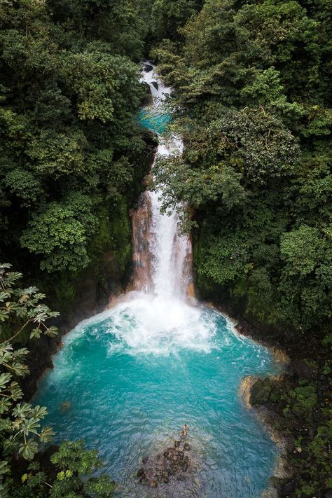 Costa Rica is a nature lovers dream come true! Itinerary featuring things to do,… Costa Rica is a nature lovers dream come true! Itinerary featuring things to do, bucket list destinations, and lots of photography. Costa Rica Travel, Bucket List Destinations, Travel Destinations, Nature Photography, Travel Photography, Photography Jobs, Photography Hashtags, Holiday Photography, Photography Challenge