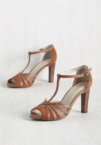 0231f24035 Lap Heel in Adobe by Seychelles - Brown