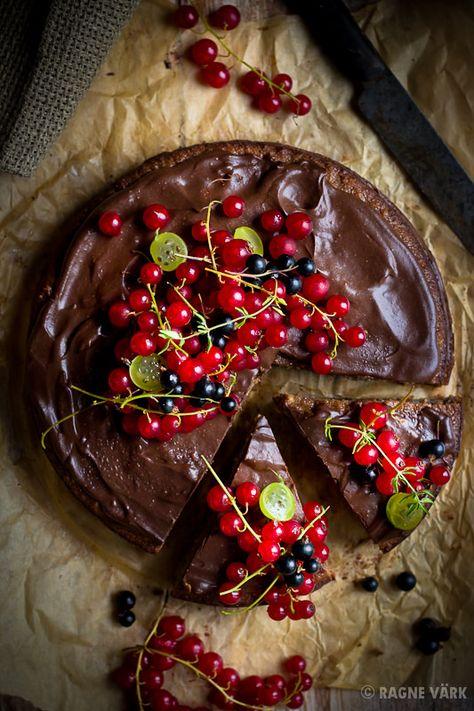 Glutenfree chickpea cake with chocolate cream