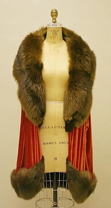 ~Evening Wrap - 1929 - House of Lanvin (French, founded 1889)~  #1920seveningwear  #1920souterwear  #1920slanvin