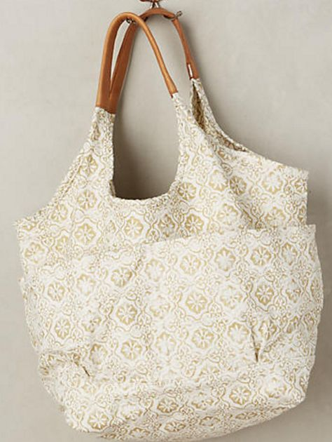 White and Gold Lace-Patterned Shoulder Bag