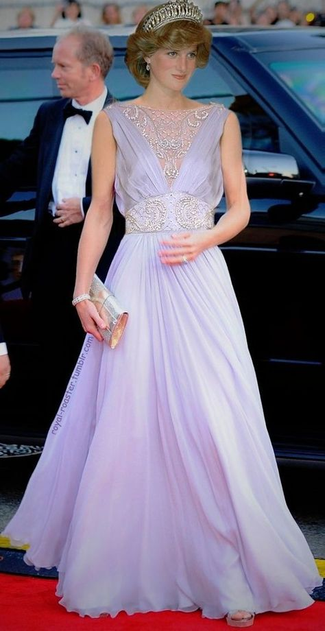 Inspired by Princesa Diana Celebrity Dresses Violet Light Purple A Line Chiffon Boat Neck Beading Crystals Prom Dresses Evening Formal Gowns