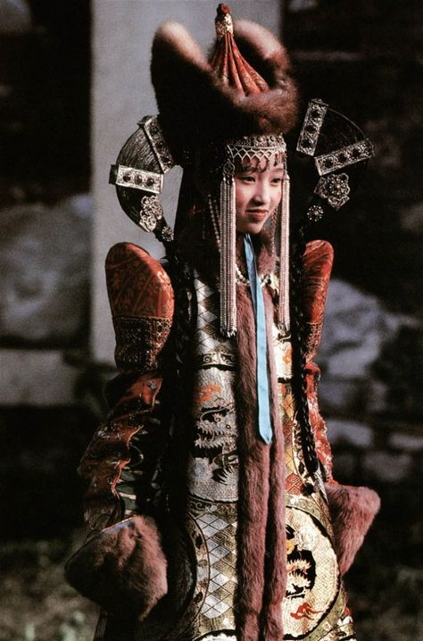 """Mongolian princess, """"The Last Emperor"""" movie Costume Tribal, Folk Costume, Mongolia, Traditional Fashion, Traditional Dresses, Costume Ethnique, Ethno Style, Movie Costumes, Mode Vintage"""