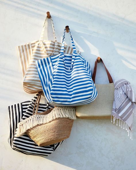 """H&M HOME on Instagram: """"Having a beach bag for every occasion 👌🏽💘 #HMHOME #beachbag #beachaccessories"""""""