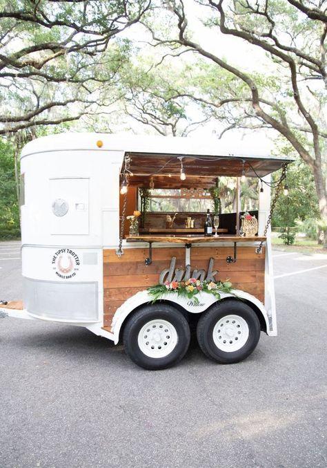 Food Cart Design, Food Truck Design, Mobile Bar, Mobile Food Cart, Bar On Wheels, Coffee Food Truck, Vegan Food Truck, Area Comercial, Mobile Coffee Shop