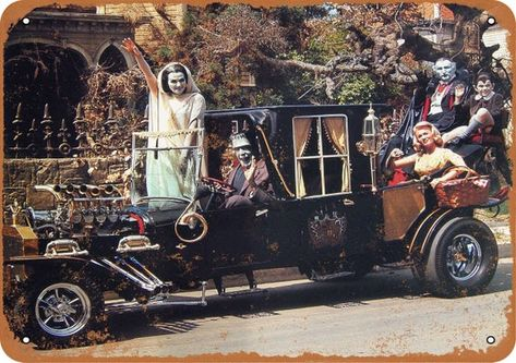 the original cast of the Munsters driving in the famed Munster Koach. The shows producers hired hot rod customizing icon, George Barris to design the car The Munsters, Munsters Tv Show, Classic Tv, Classic Cars, Hot Rods, Dark Romance, Monster Trucks, Yvonne De Carlo, Us Cars