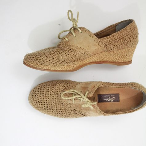 woven shoes | 10 | 47-