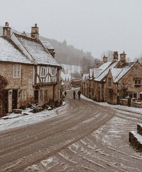 Castle Combe, the Cotswolds, England The Places Youll Go, Places To Go, England Winter, England Countryside, Castle Combe, Uk Destinations, English Village, London England, Oxford England
