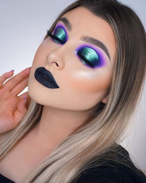 """Jessica-Rose Silicz on Instagram: """"I'm 100% that Witch! 🧙🏻♀️🦇🖤 Inspired by the amazing @lo_lavxo 👑😍 • • Makeup details: 🖤 Eyes - @Morphebrushes 25L Live In Color Artistry…"""""""
